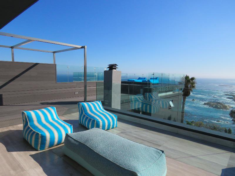 Property For Sale in Camps Bay, Cape Town 27