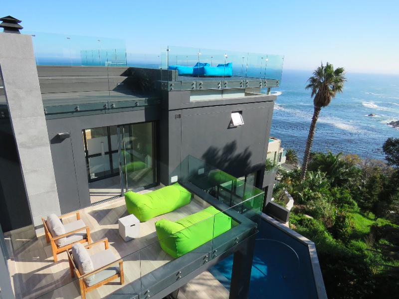 Property For Sale in Camps Bay, Cape Town 28