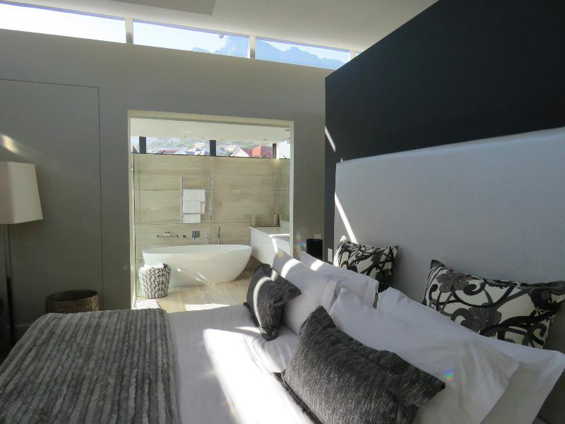 Property For Sale in Camps Bay, Cape Town 30