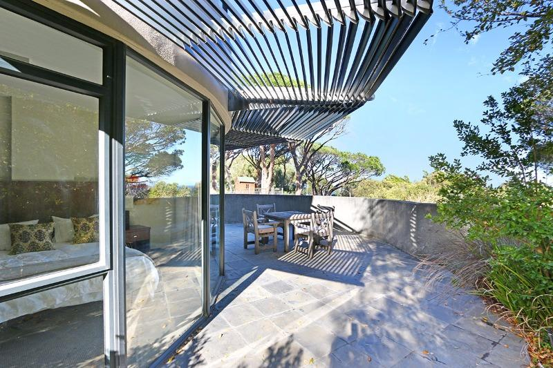 Apartment / Flat For Sale in Camps Bay, Cape Town