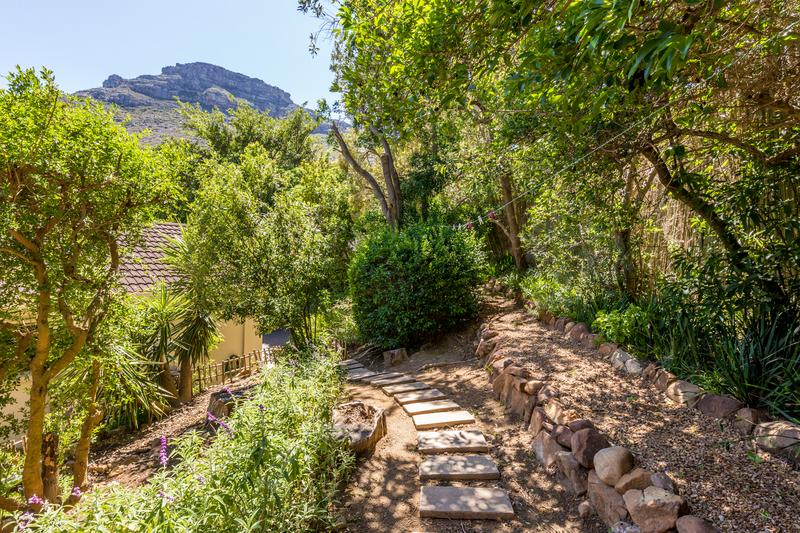Property For Sale in Scott Estate, Hout Bay 6