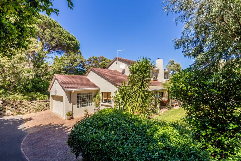 Property For Sale in Scott Estate, Hout Bay 9