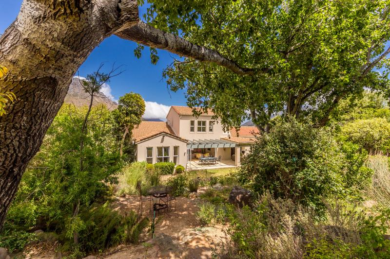 Property For Sale in Avignon, Hout Bay 2