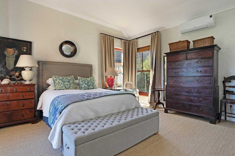 Property For Sale in Scott Estate, Hout Bay 15