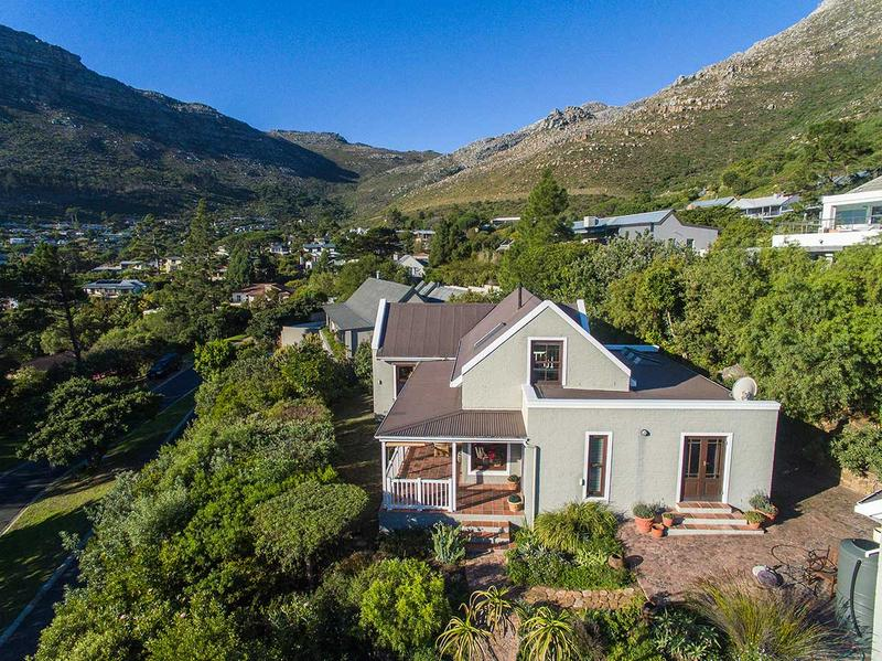 Property For Sale in Scott Estate, Hout Bay 4