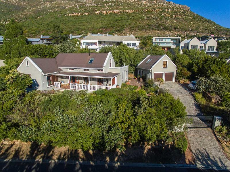 Property For Sale in Scott Estate, Hout Bay 2