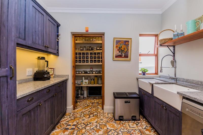 Property For Sale in Scott Estate, Hout Bay 12