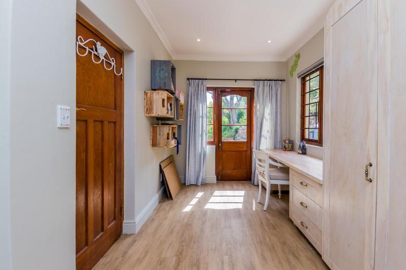 Property For Sale in Scott Estate, Hout Bay 17