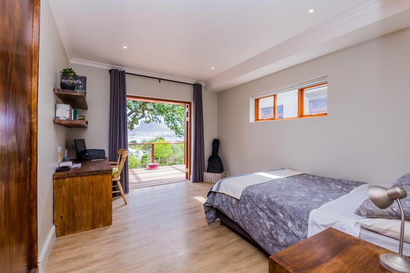 Property For Sale in Hout Bay Central, Hout Bay 21