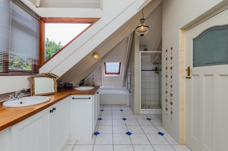 Property For Sale in Scott Estate, Hout Bay 32