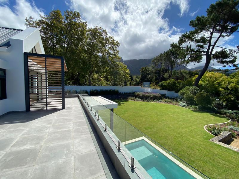 Property For Sale in Constantia, Cape Town 5
