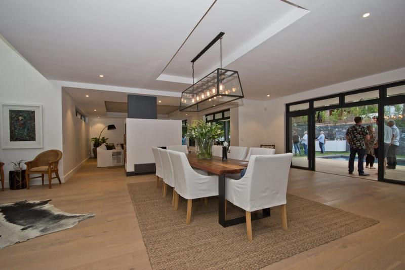 Property For Sale in Constantia, Cape Town 16