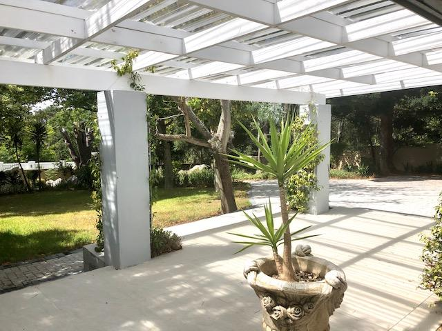 Property For Rent in Constantia, Cape Town 11