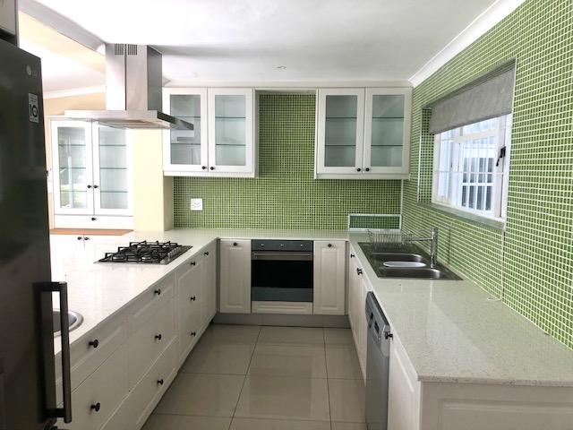 Property For Rent in Constantia, Cape Town 13