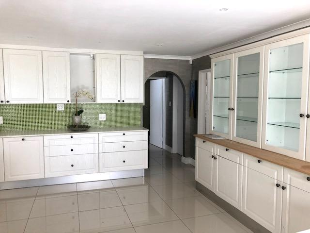 Property For Rent in Constantia, Cape Town 15