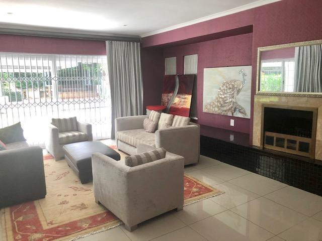 Property For Rent in Constantia, Cape Town 16