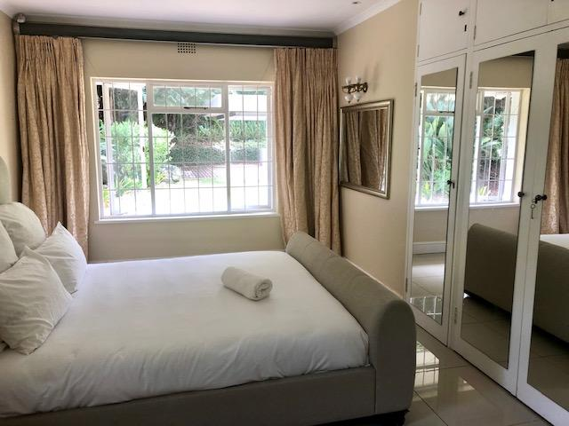 Property For Rent in Constantia, Cape Town 23