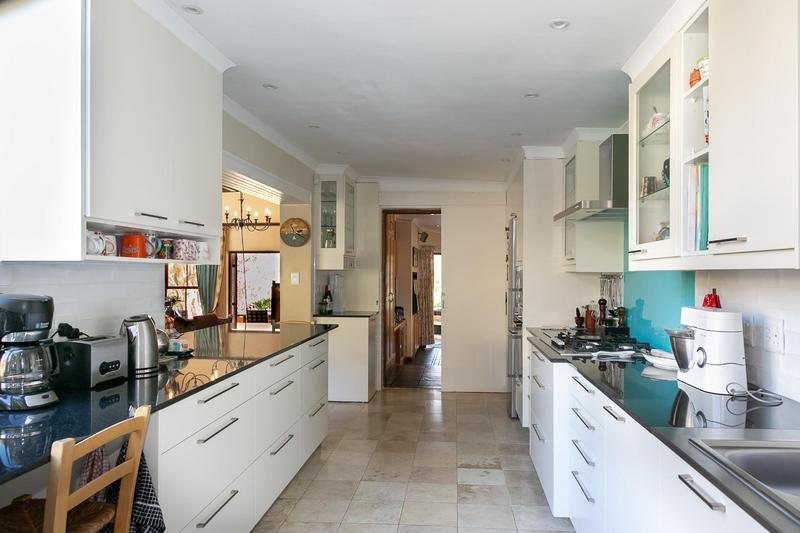 Property For Sale in Bokkemanskloof, Hout Bay 23