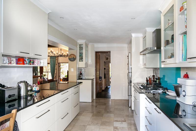 Property For Sale in Bokkemanskloof, Hout Bay 27